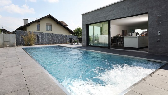 Modern control technology for your home and pool